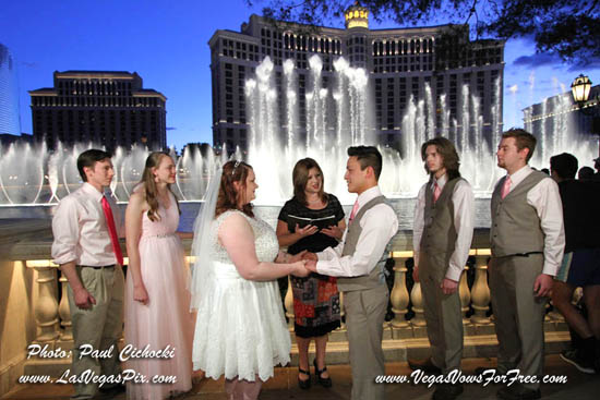 Packages Affordable Las Vegas Wedding Photography Offers Budget Prices On Lasvegas Weddings Photographer Chapel Minister Chapels Elvis